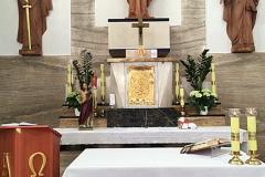Oltár v Kostole Božského Srdca Ježišovho v Zlatých Moravciach